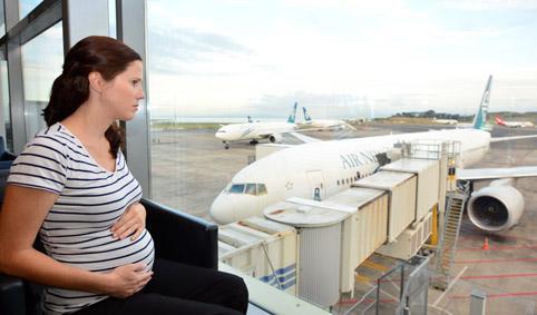"""Những lưu ý cho các """"Bà bầu"""" khi đi máy bay"""